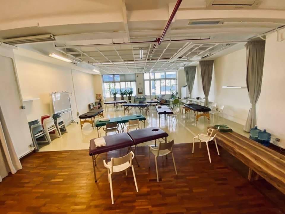 The Livingwellco Office2